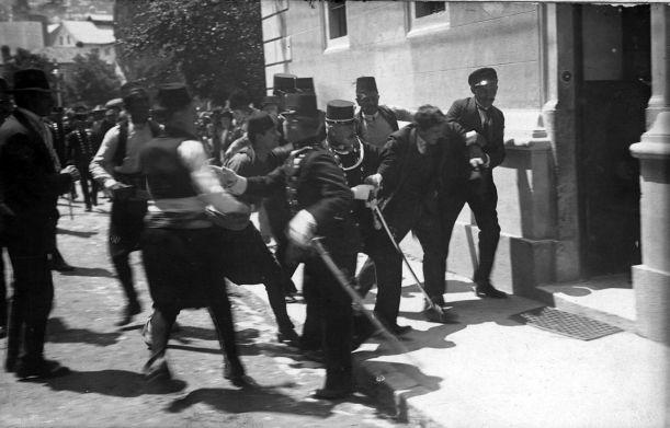 Gavrilo_Princip_captured_in_Sarajevo_1914
